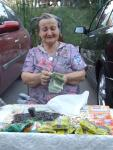 Vânzătoarea de seminţe Foto by Elvis Dobrescu 2007