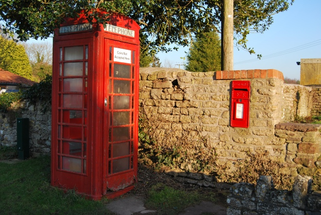 The red telephone box (1)