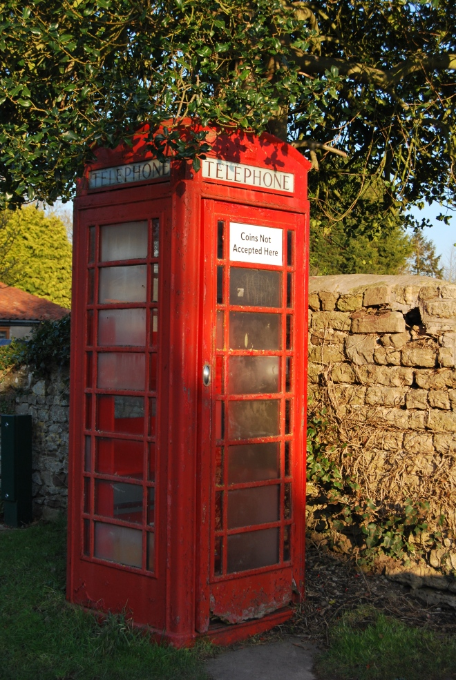 The red telephone box (2)